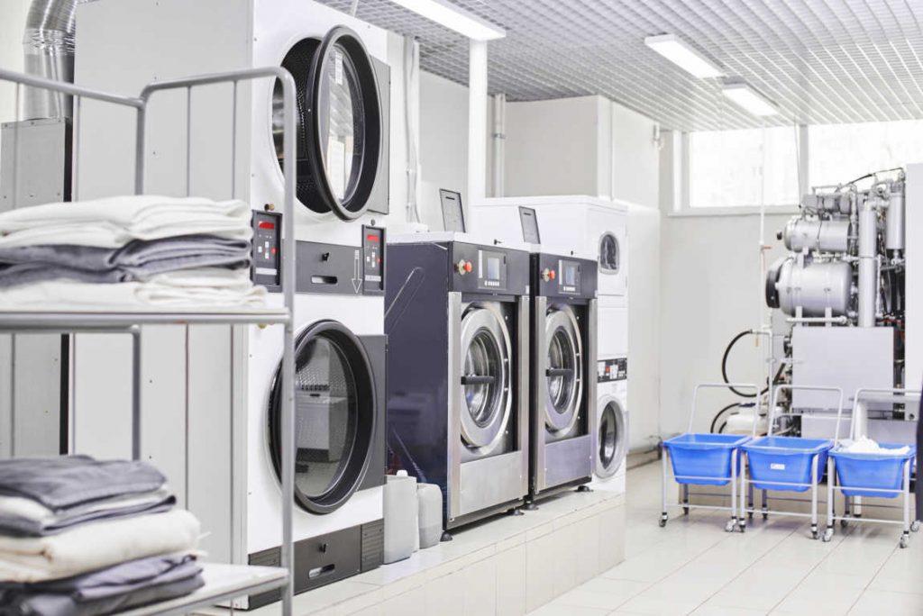 Las lavanderías de autoservicio triunfan en España